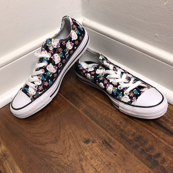 Converse Sneakers CTAS Ox Hello Kitty Low Top NWT
